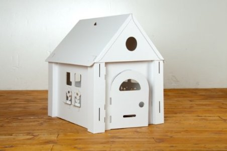 Calafant Calacasa cardboard playhouse