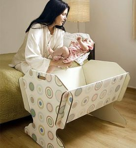 Green lullaby cradle