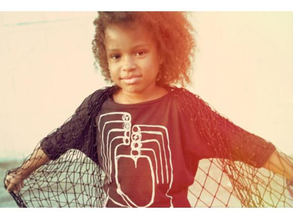 mini-maximus-heart-hands-fashion-tee-pre-order-mini-maximus-heart-hands-fashion-tee