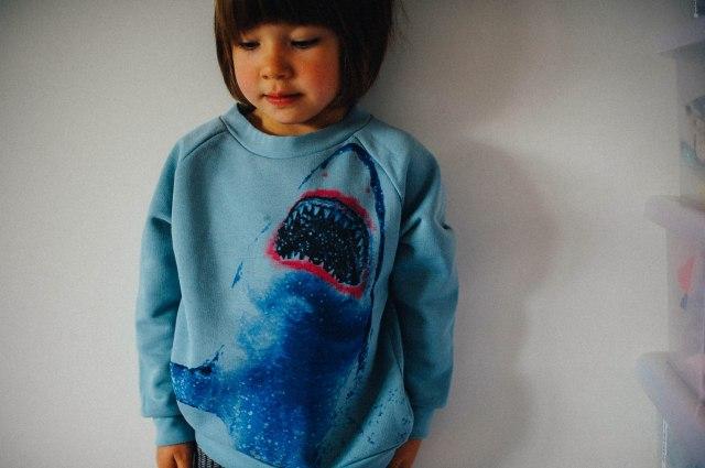 LOJA DADA FOR KIDS Popupshop shark sweater